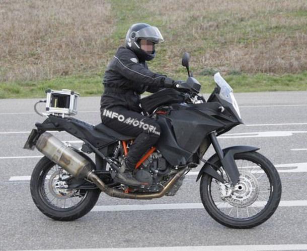 2013-KTM-1290-Adventure-599x433