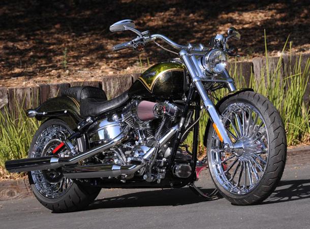 2013 Harley Davidson CVO Breakout 011 H D lança a CVO Breakout 2013 em edição limitada
