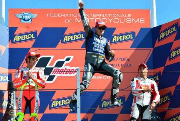 Lorenzo-vence-na-MotoGP-e-amplia-vantagem-na-ponta