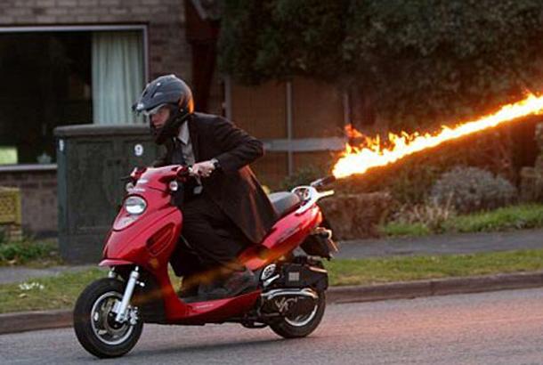 Scooter lança-chamas