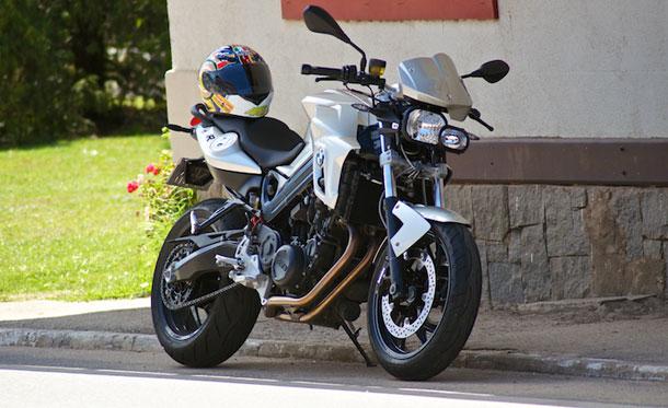 bmw f 800 r uma sensual triatleta de tirar o f lego not cias sobre motos motovelocidade. Black Bedroom Furniture Sets. Home Design Ideas