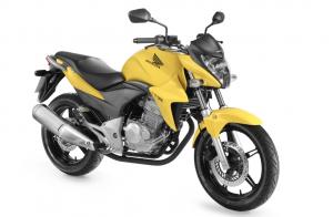 300 300x196 Honda apresenta sua munição para 2013. Veja os modelos!