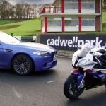 BMW M5 x BMW S 1000 RR corpo1 150x150 Presente de Natal da BMW para os apaixonados por velocidade: Veja o vídeo!