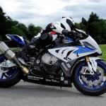 bmw motorrad lancia il primo sistema abs utile in curva per moto sportive p90157339 highres12 150x150 BMW R 1200 Harrier: uma moto customizada com alma de jato