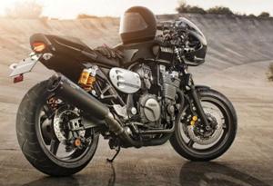 Yamaha-XJR1300-Racer-12-620x420