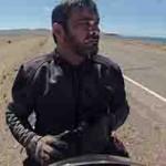 Livro conta história de uma viagem de moto pelo deserto