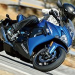 Suzuki GSX-S 1000: linha garante desempenho e conforto