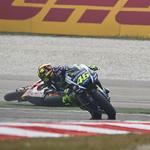 Rossi derruba Márquez na Malásia e Pedrosa triunfa