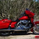 Harley CVO Street Glide: som de 300 watt e motor preparado