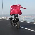 Ninja H2R chega a 400 km/h em ponte na Turquia