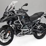 BMW R 1200 GS Adventure: melhorias técnicas e nova cor Triple Black