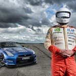 Nissan GT-R  pilotado por homem cego a cerca de 323 km/h