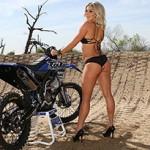 Yamaha YZ250F e a Miss Supercross Dianna Dahlgren