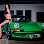 Porsche Carrera 911 1971 e a linda Kelly Pretorius