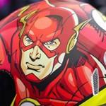 Liga da Justiça: No Risk lança capacetes dos heróis