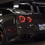 Nissan GT-R: fúria sombria em fibra de carbono para Lord of the Wings