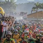 Mais de três mil motos na lama colocam Brasil no livro dos recordes