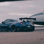 Nissan GT-R, Lamborghini, aviões: um show da Liberty Walk