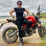 Primeira brasileira se prepara para enfrentar o desafio Iron Butt com a Ducati Monster 797