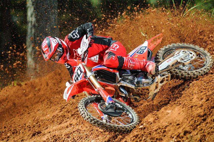 Honda Racing de Motocross Piloto Jetro Salazar