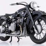 Conheça a trajetória da BMW R 32, a moto que marca o início de uma era.